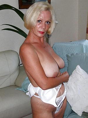 Mature blonde hairy pussy amateur pics