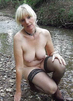 Horny nude blonde ladies pics