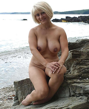 Amateur pics of naked blonde wife