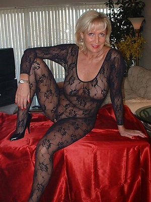 Sweet hot blonde mom pics