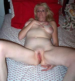 Nude busty blonde mom