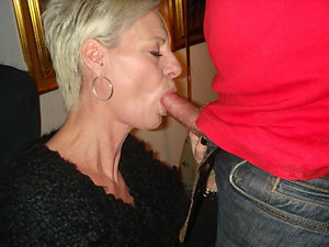 Free pics of hot mom blowjob