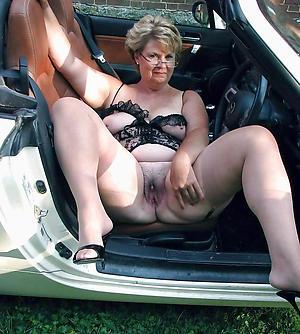 Bush-leaguer mature in car porn gallery