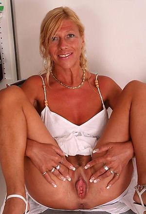 Pretty mature erotic images