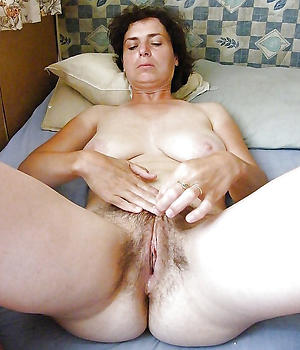 Amateur pics of adult woman unattended
