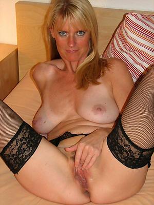 Slutty mature woman solo