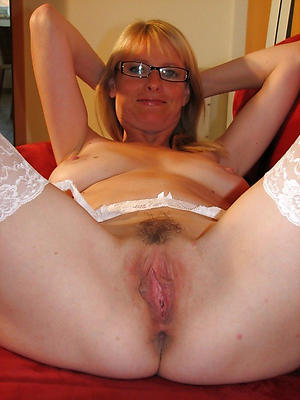 Free white mature pussy amateur pictures