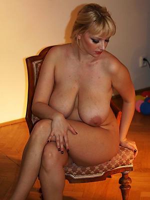 Amateur solo mature women