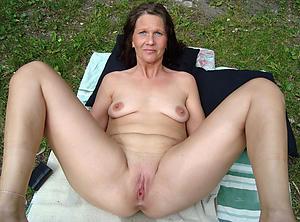 Nude mature women vaginas