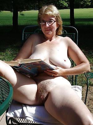 Busty nude hairy milf amateur pics