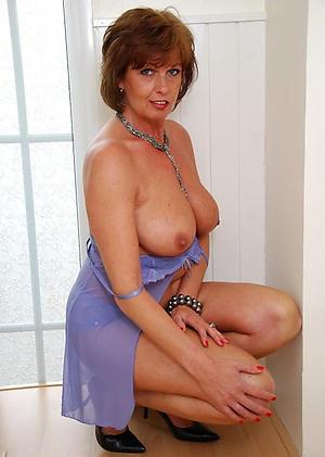 Amateur beautiful mature milf porn pics