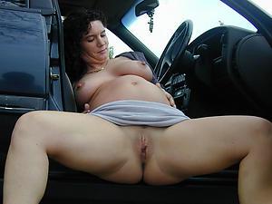 Amazing pregnant milf pics