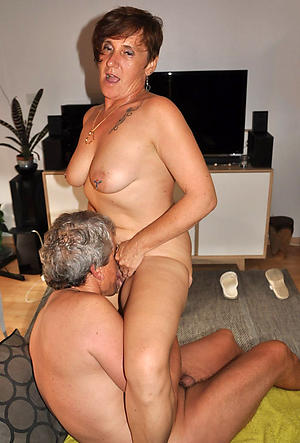 Tyro pics of mature tie the knot eats pussy