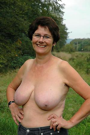 Mature free and virtuous bush-league porn pics