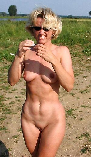 Nude photos of mature single women