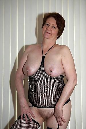 Amateur pics of sexy bare grandmas
