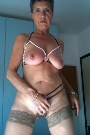 Amateur sexy nude grandmas photo