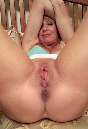 Gorgeous sexy mature milf