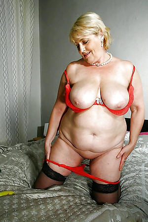 Free hot bosomy grown-up photo