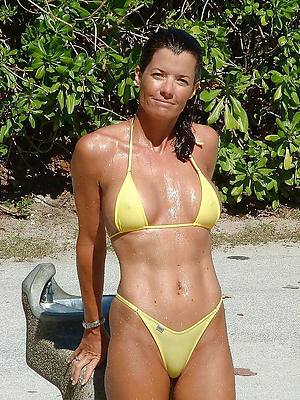 Amateur pics for mature women bikini