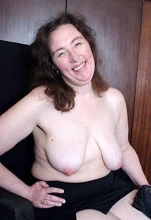 Xxx saggy mature tits nude pictures