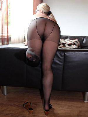 Easy mature women pantyhose nude pics