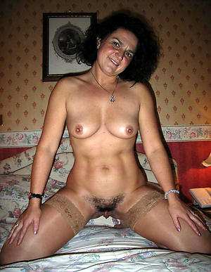 Amateur pics of meagre mature hairy photos