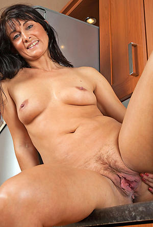 Comely mature cougars xxx picture