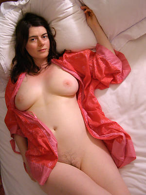 Horny mature erotic pictures