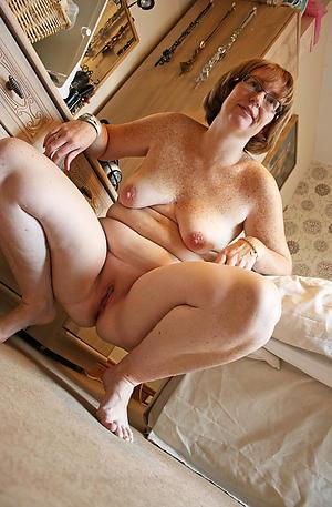 Amateur pics of mature chubby big tits