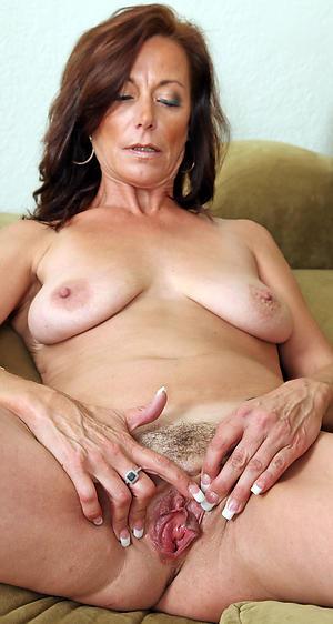 Horny mature 40 pics