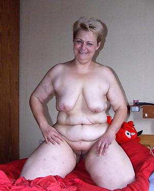 Inexperienced plump mature pussy