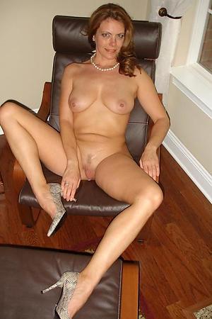 Best mature women in high heels pics