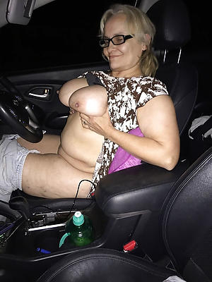 Simmering mature in car pics