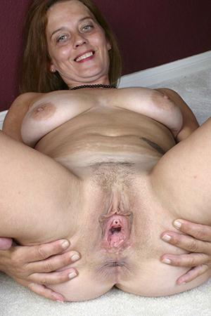 Xxx classic mature women pussy