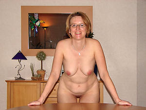 Xxx mature women in glasses nude sniper
