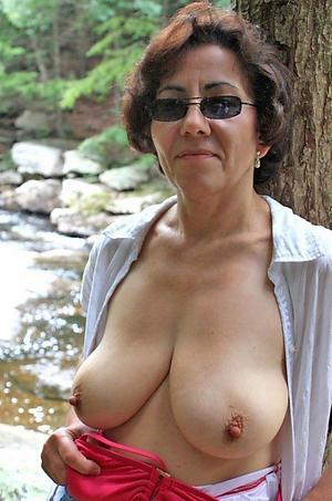 Full-grown women in glasses porn pics