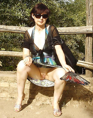 Amazing adult women in glasses nude pics