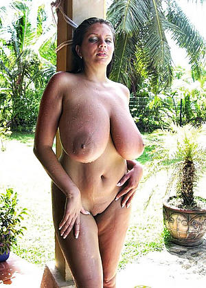 Nude mature xxx