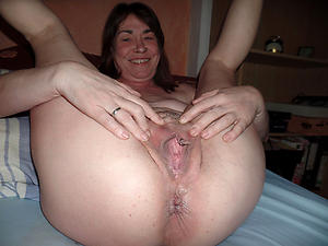 Pretty mature close up pussy nude pics