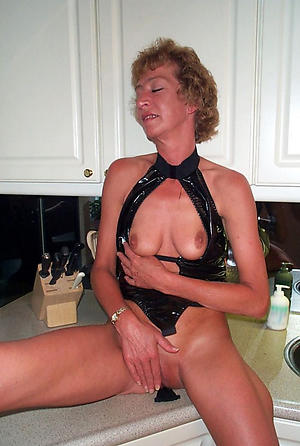 Naked mature cougar pussy galleries