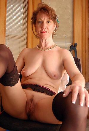 Slutty mature cougar pussy nude pics