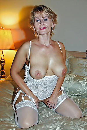 Comely classic matures nude pics