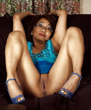 Free mature asian milf naked pics