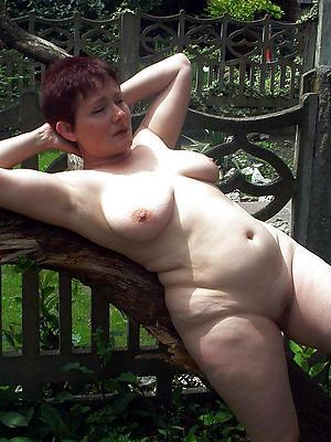 Easy hot matured nude women pics