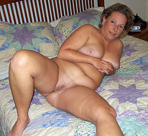 Handsome hot mature lady nude pictures