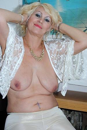 Free erotic mature photos