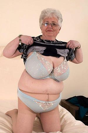 Slutty mature women pantyhose