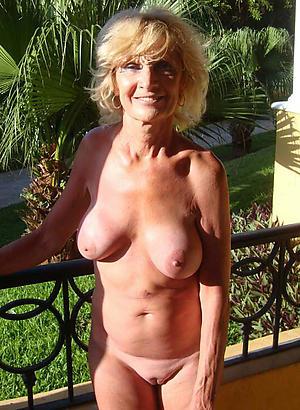 Naughty mature shaved women nude photo