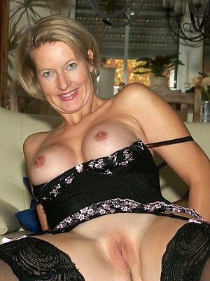 Handsome mature shaved pussy pics